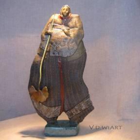 """""""Ménine à la feuille de ginko en bronze"""" grès foncé émaillé"""